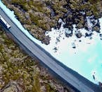 レイキャネス半島のドラマチックな溶岩の台地を車窓から眺めながらブルーラグーンに行ってみませんか?