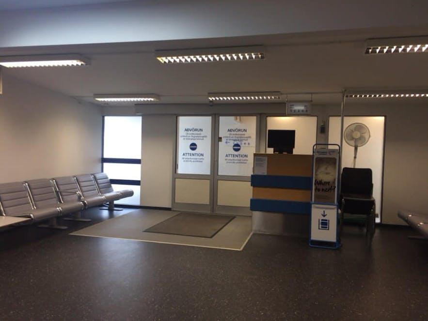 レイキャビク国内空港の搭乗待ちロビー