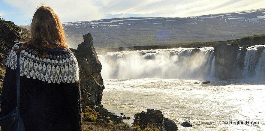 Regína by Goðafoss waterfall