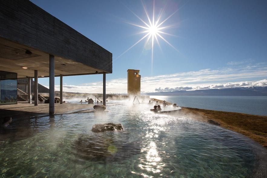 胡萨维克旁的新温泉GEOSEA