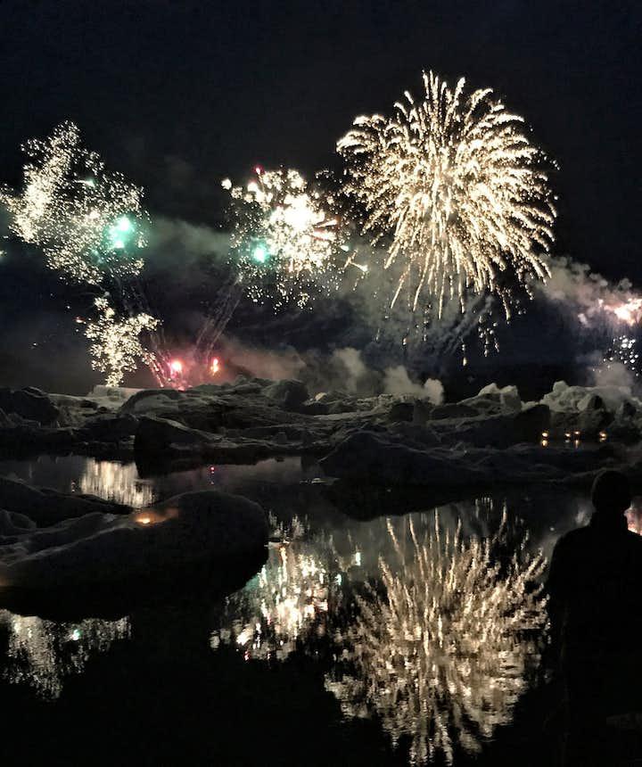 Das Feuerwerk über der Gletscherlagune Jökulsárlón