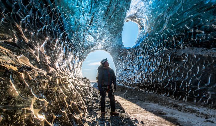 Journée d'exploration d'une grotte de glace   Petit groupe   Départ de Jokulsarlon