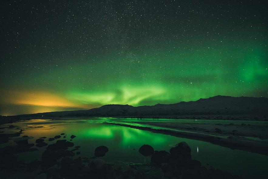 冰島旅遊淡季也可以看到北極光