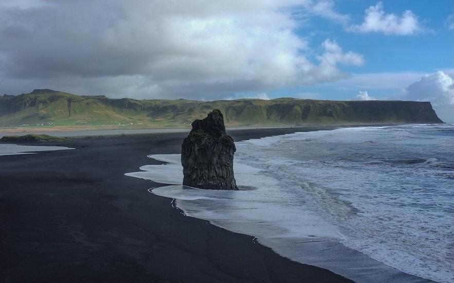 冰島旅遊淡季的黑沙灘