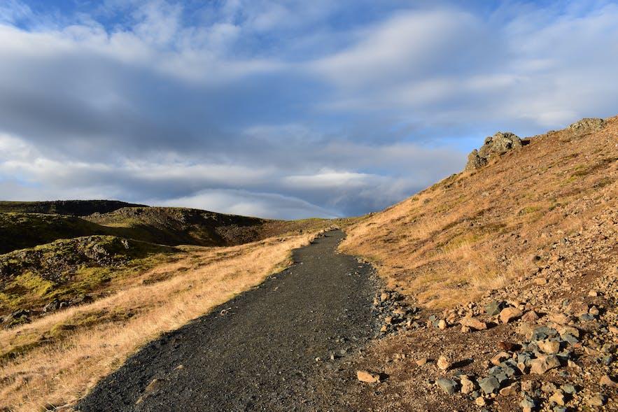Wanderweg zu Reykjadalur in Hveragerdi, Island