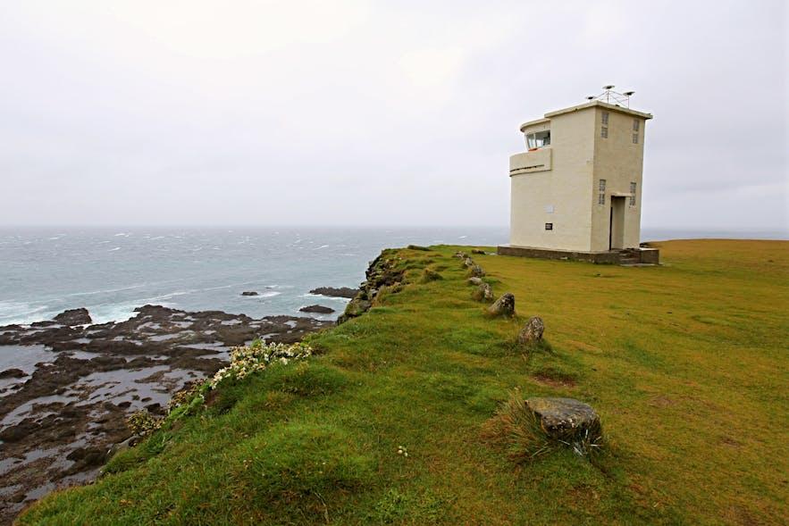 位于冰岛西峡湾内的Bjargtangar灯塔是标记了冰岛的最西角