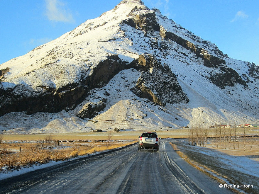 Driving in snow in Iceland