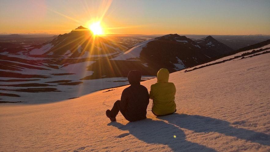 """冰岛东部也有""""斯奈山"""",不过它不是西部的半岛,而是货真价实的一座山"""