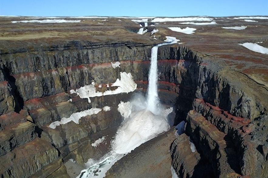 冰岛最高瀑布榜上有名的东部亨吉瀑布
