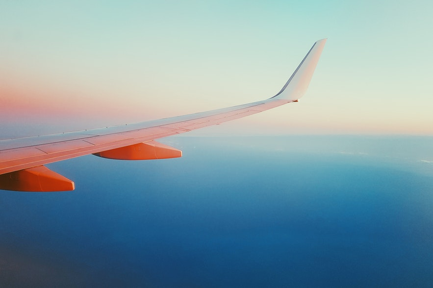 乘飛機作為在冰島旅行的交通工具