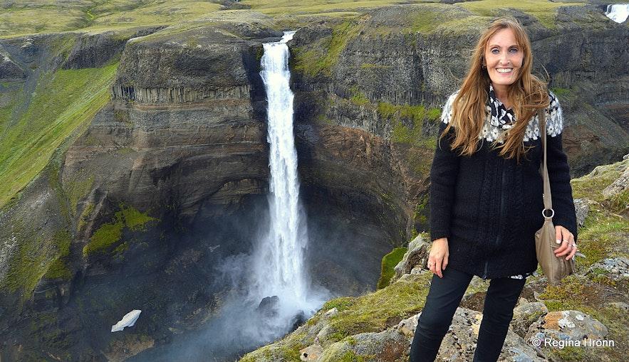 Regína by Háifoss waterfall