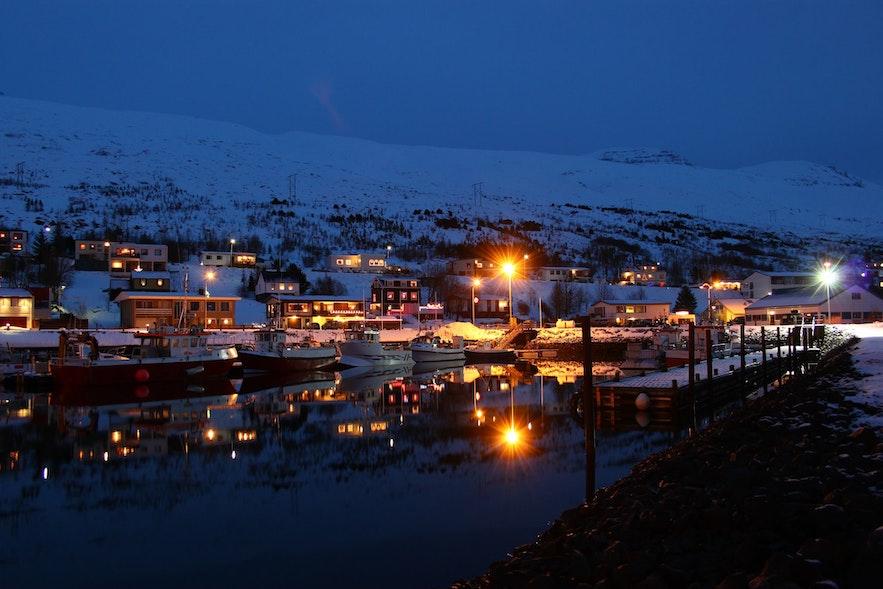 Eskifjordur na islandzkich Fiordach Wschodnich.