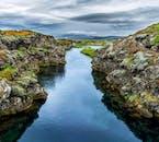 Islands Silfra-Spalte liegt zwischen der nordamerikanischen und eurasischen tektonischen Platte.