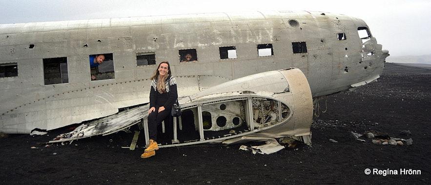 Regína by The Wreck of the Abandoned Plane on Sólheimasandur
