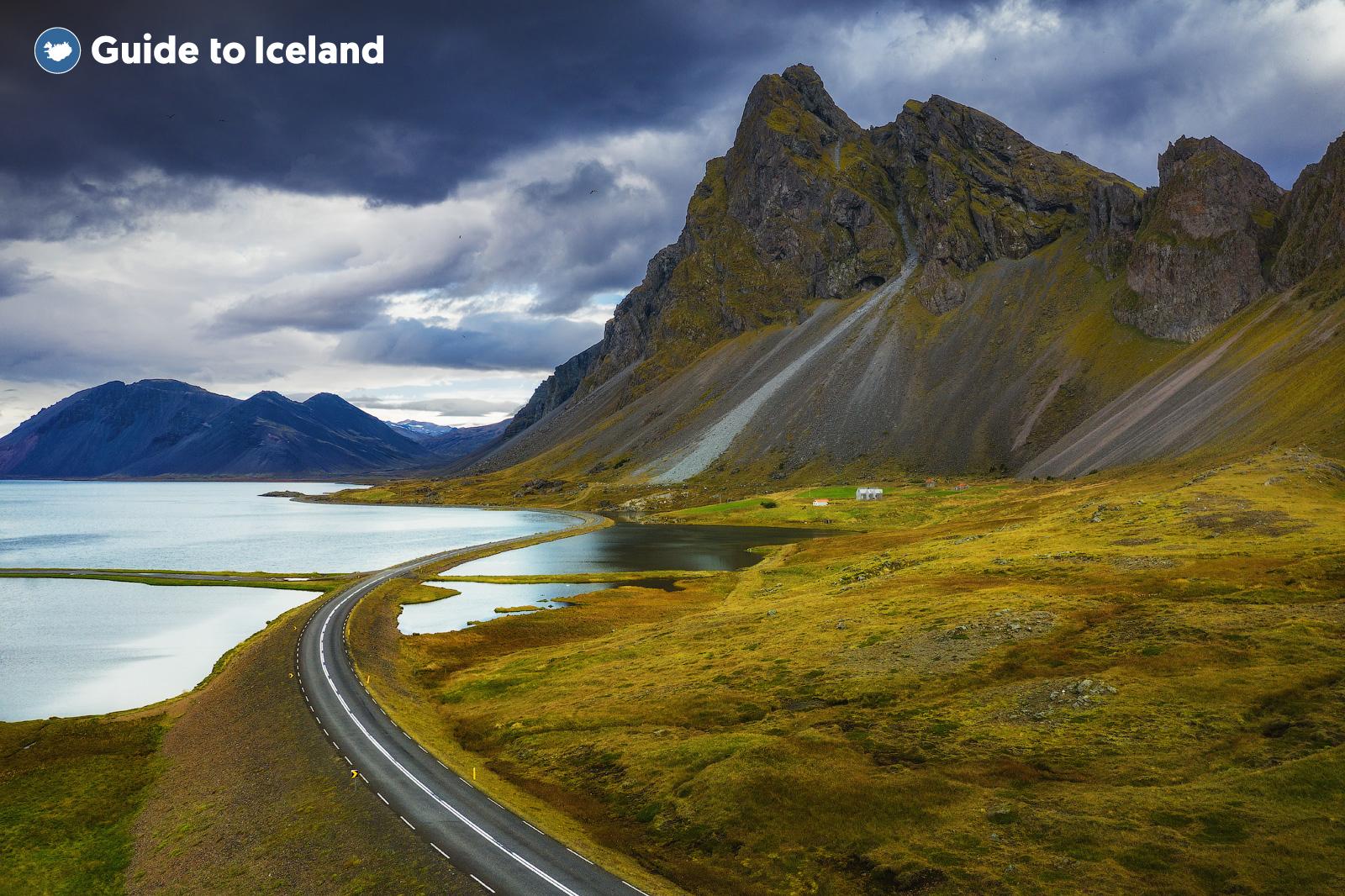 Los caminos sinuosos de los Fiordos del Este.