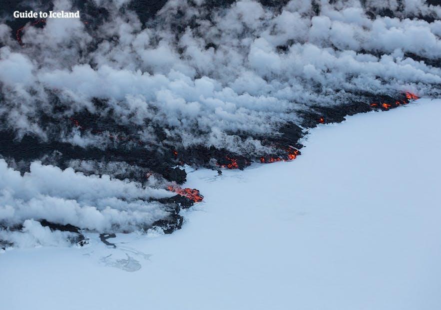 Wenn Lava unter dem Eis hervortritt, richtet die Aschewolke viel größeren Schaden an.