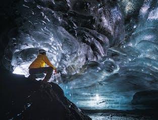 Grotte de glace Katla au glacier Myrdalsjökull   Départ de Vik en Super Jeep