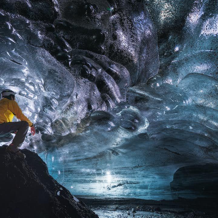 Tur med superjeep til isgrotte ved Katla fra Vík i Sydisland