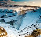 Une vue magnifique sur la cascade Gullfoss en hiver en Islande.