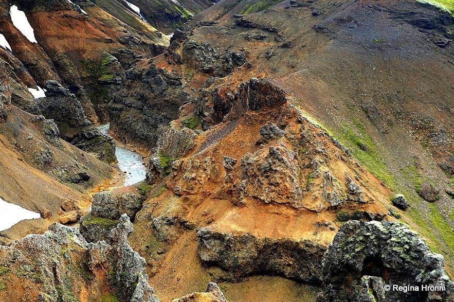A colourful gorge by Mt. Kerlingarfjöll