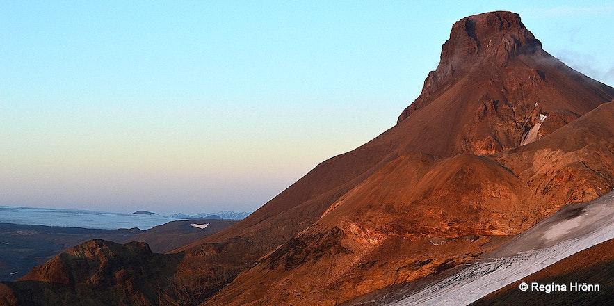 Mt. Loðmundur in Mt. Kerlingarfjöll