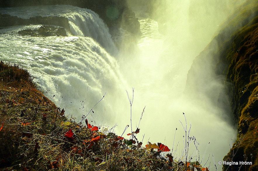 Autumn photos of Gullfoss watefall