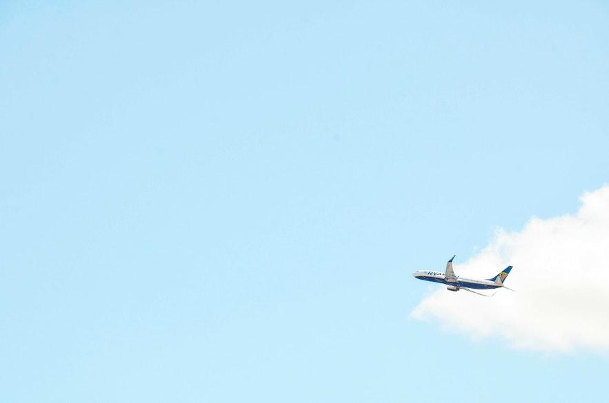 直飛及轉機到冰島的航班、國家城市、飛行時間介紹
