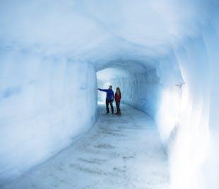 얼음 터널 및 스노모빌링 체험   랑요쿨 빙하 및 서부 아이슬란드 당일 투어