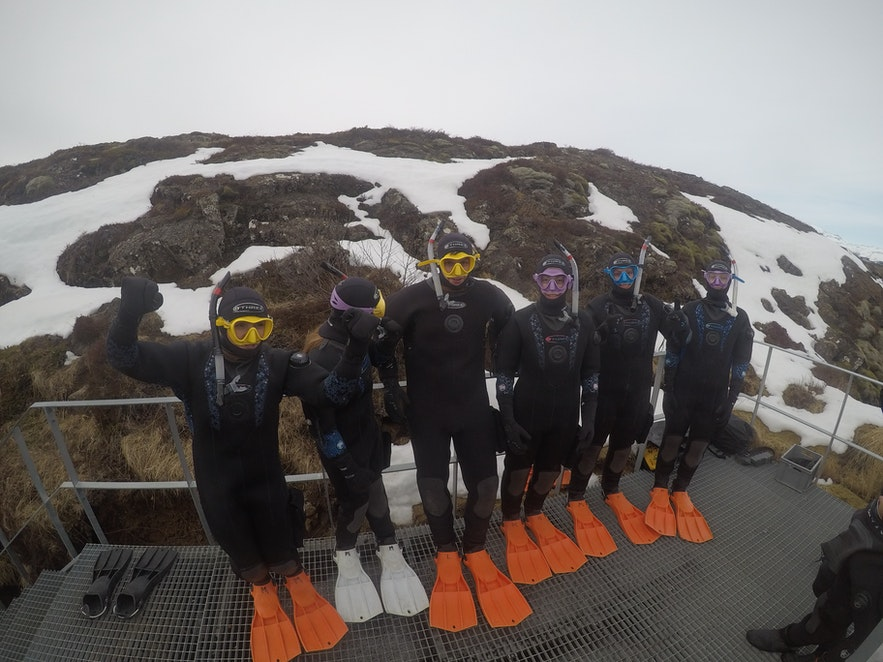 Перед погружением в ледниковую воду Сильфры мы еще раз сфотографировались