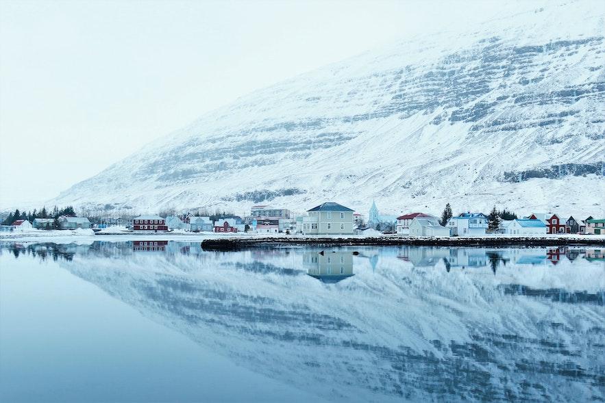 冰島東部峽灣白日夢冒險王小鎮