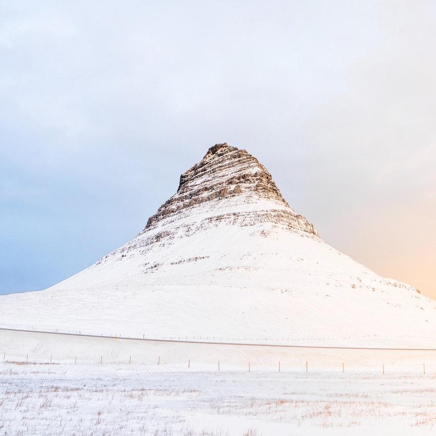 冰島斯奈山半島教堂山Kirkjufell