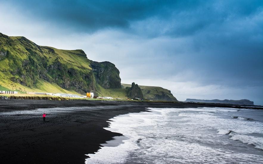 冰島火山岩石黑沙灘