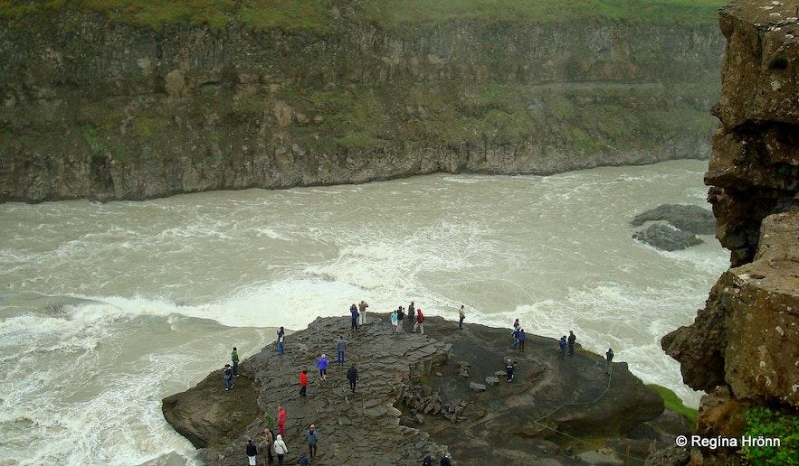 People by Gullfoss waterfall