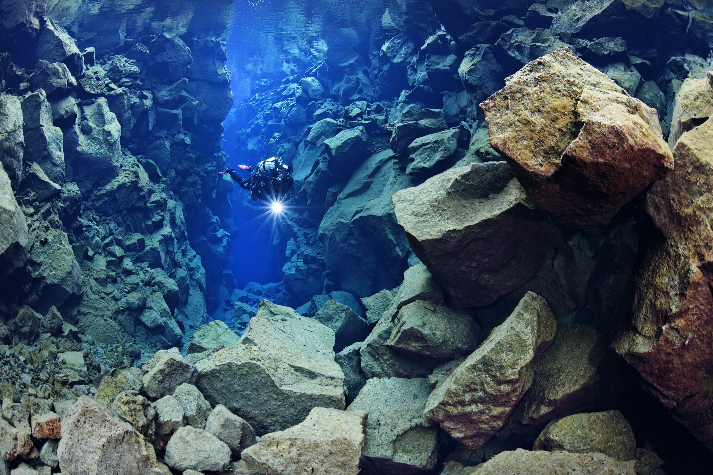 Dykning i Silfra-spalten er en enestående chance.