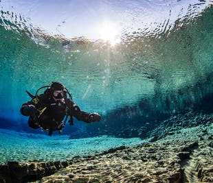 Diving Silfra Tour | Dry Suit Dive with Pickup