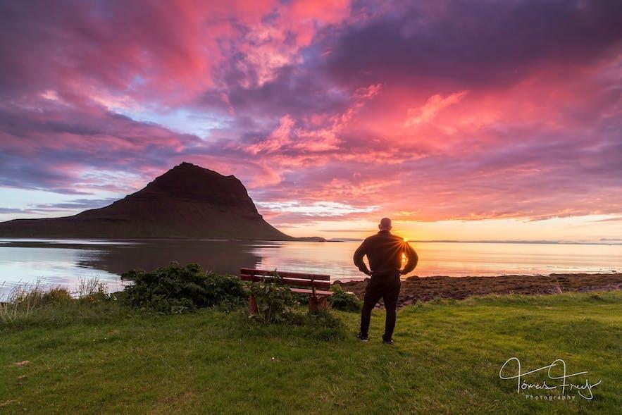 斯奈山半岛的草帽山日落美景