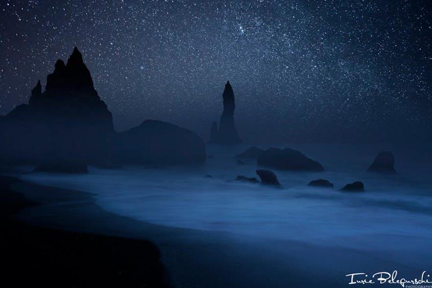 冰岛黑沙滩Reynisdrangar