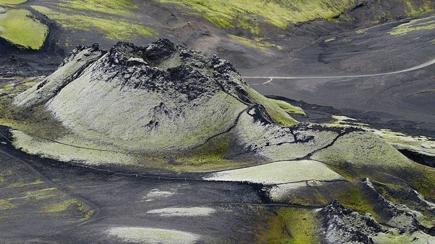 冰岛南部的拉基火山口群位于冰岛中央内陆高地地区