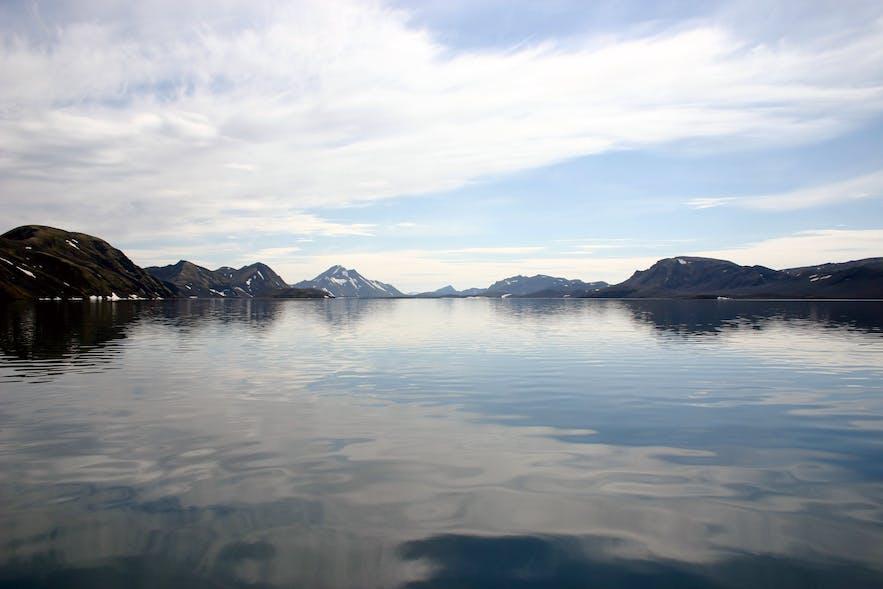 冰岛内陆高地中的宁静Langisjór湖泊
