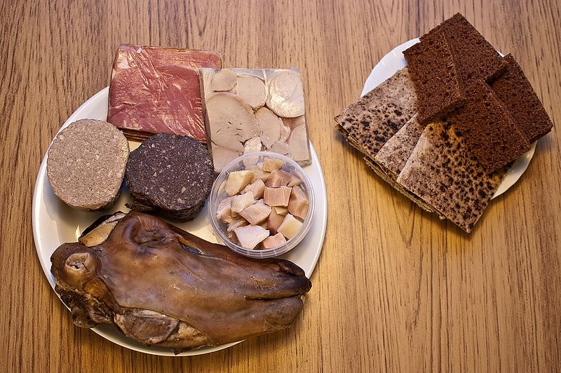Thorramatur, traditional food in iceland, by The blanz from Wikimedia commons
