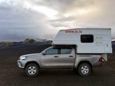 Toyota Hilux Highland Camper 2018