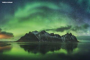 Vestrahorn_Aurora_Northern lights_southeast_WM.jpg