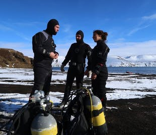 PADI Dry Suit Diver Course | One Pool Session & Two Open Water Dives