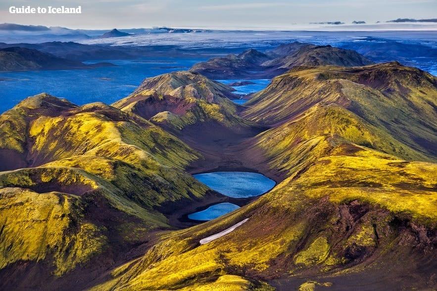아이슬란드 남부의 라우가베귀르 트레일 외에도 고원지대에는 다양한 하이킹 코스들이 존재합니다.
