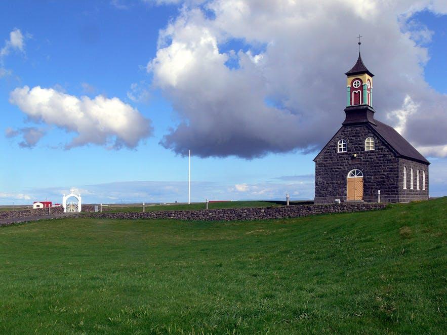 Hvalsneskirkja教堂位于冰岛的雷克雅内斯半岛上