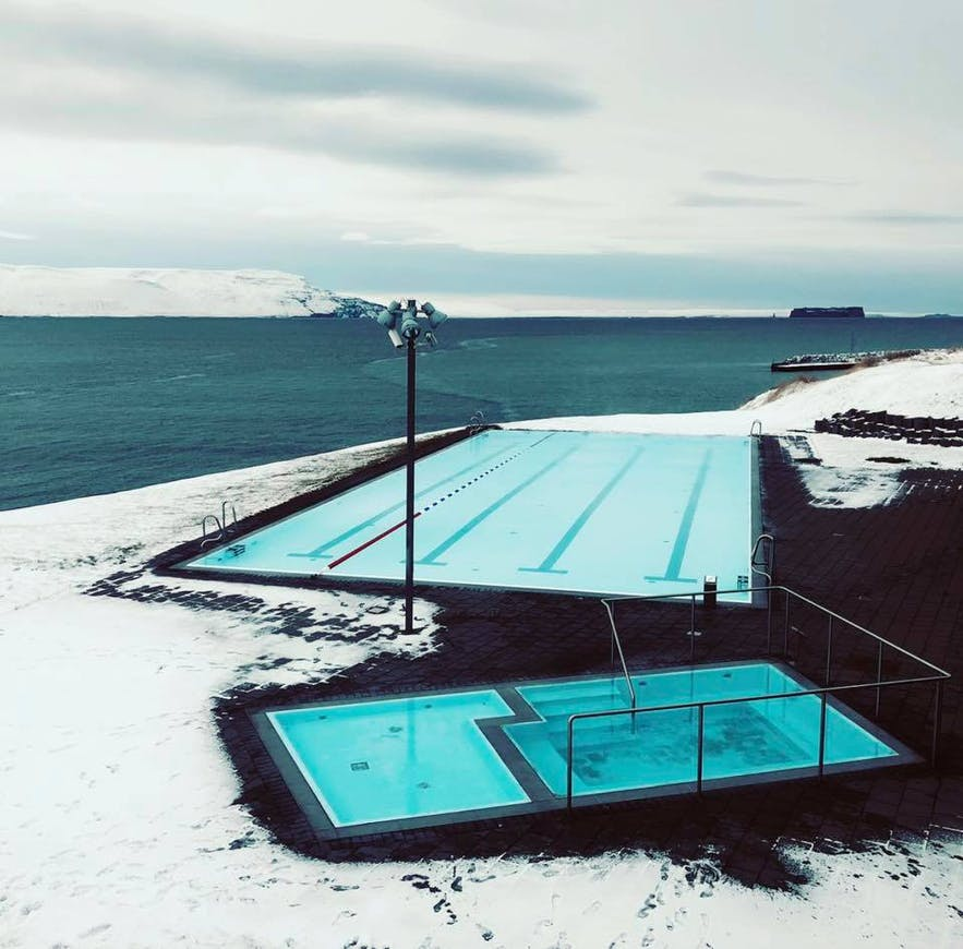 The pool in Hofsos in full winter mode