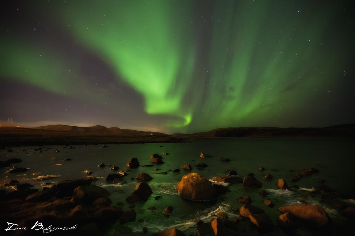 冬季时在首都雷克雅未克也能时不时看到北极光