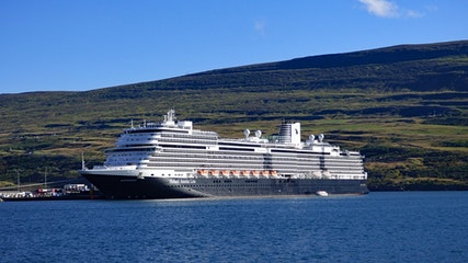 00 travelling-to-iceland-by-cruise-ship-3.jpg
