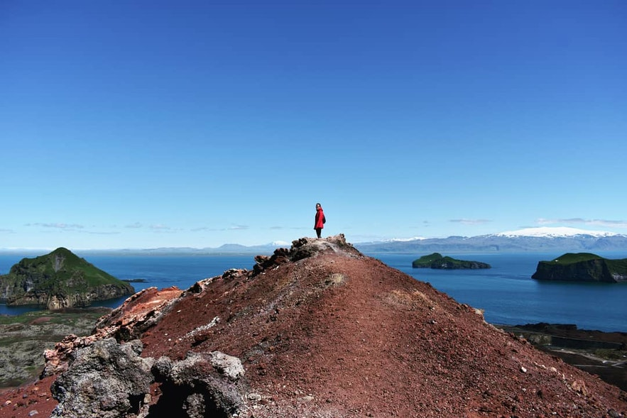 Besteigung des Vulkans Eldfell auf den Westmännerinseln.
