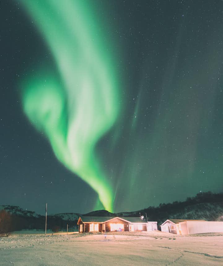 在冰島冬季參加Local Tour旅行一星期左右預算